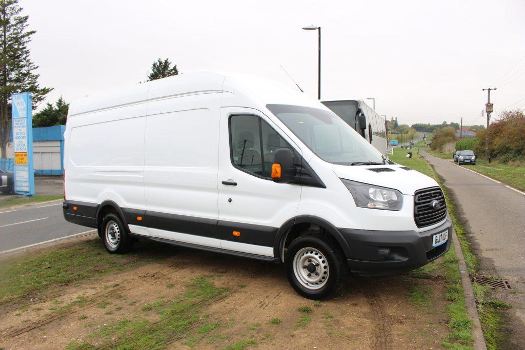 2017 (17 PLATE) FORD TRANSIT 350 JUMBO - Trade Price Vans