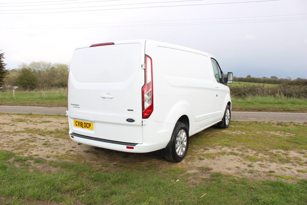 2018 (18 PLATE) FORD TRANSIT CUSTOM 300 LIMITED NEW SHAPE