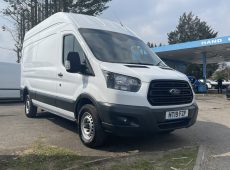 2019 (19 PLATE) FORD TRANSIT 350 L3 EURO 6 MULTI FUNCTION STEERING CONTROLS